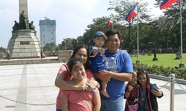 Family-at-Luneta_CNNPH.jpg